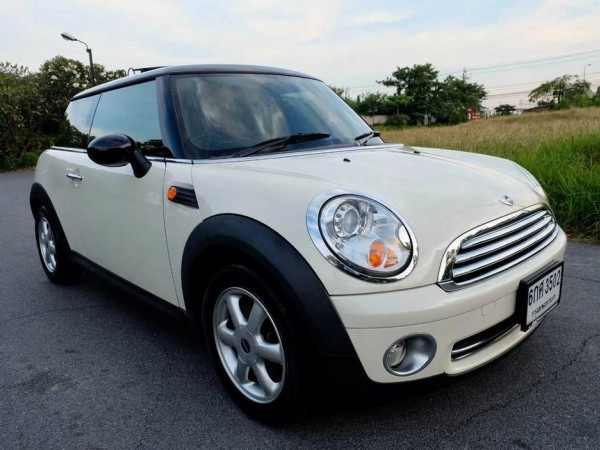 Mini Hatch (Cooper) Gen2 R56 ปี 2007 สีขาว