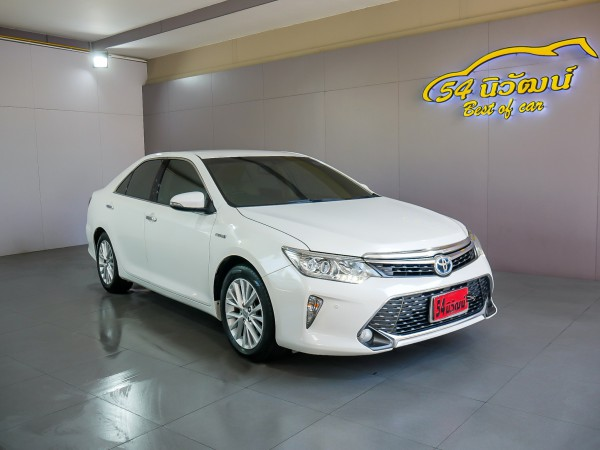 TOYOTA CAMRY 2.5 HV NAVI MINOR CHANGE AT ปี 2015 สีขาว