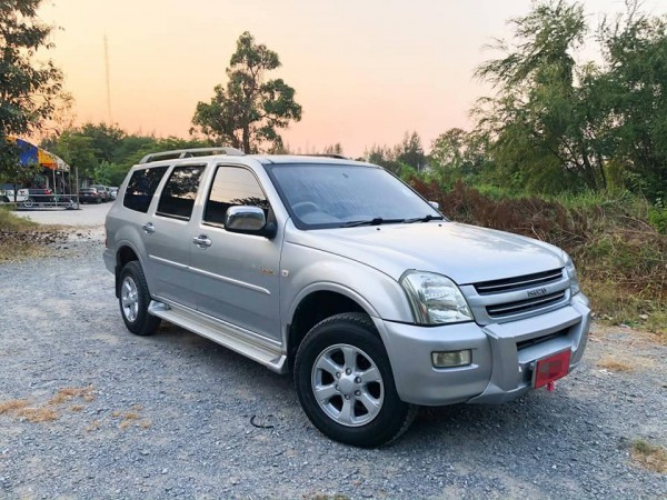 ISUZU ADVENTURE MASTER LUXURY