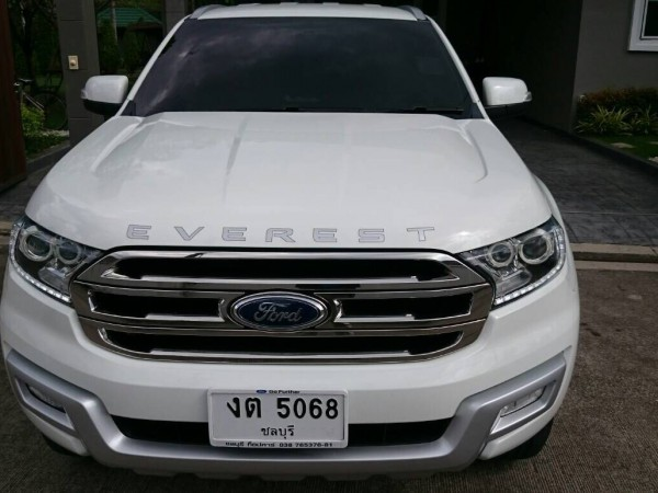 Ford Everest ปี 2015 สีขาว