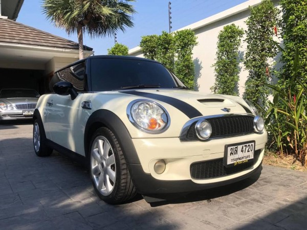 Mini Hatch (Cooper) Gen2 R56 ปี 2008 สีขาว
