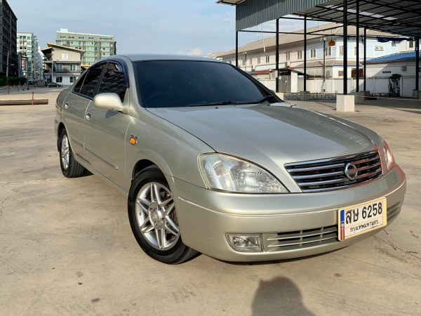 Nissan Sunny Super Neo 1.6 AT