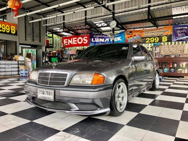 Mercerdess Benz c180 w202 1997