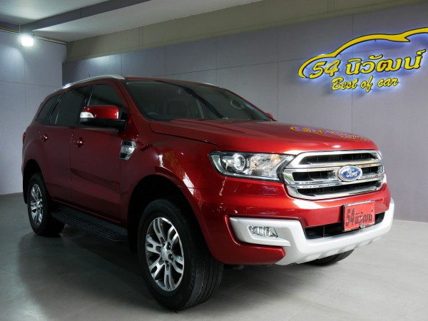 FORD EVEREST 2.2 TITANIUM AT ปี 2016 สีแดง