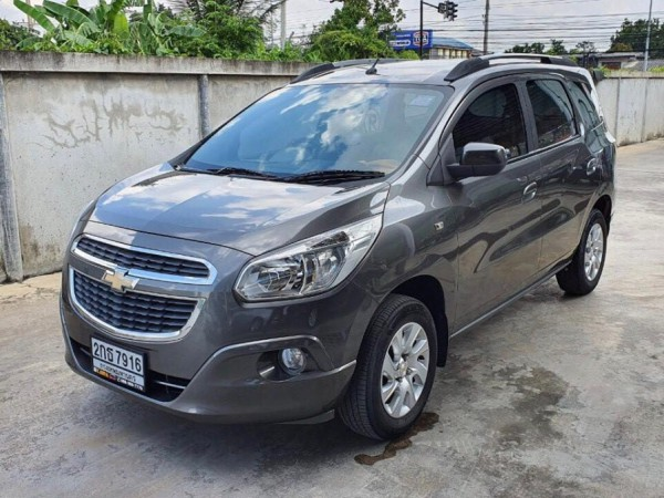 Chevrolet Spin ปี 2013 สีเทา
