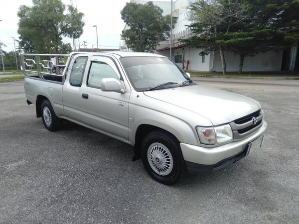Toyota Hilux Tiger Extra cab ปี 2004 สีเงิน
